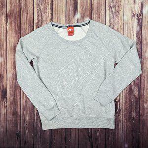 Comfy Nike Crewneck sweatshirt
